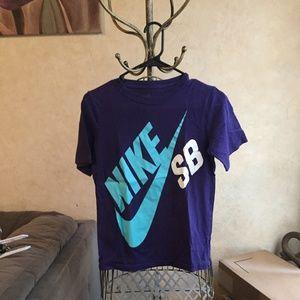 Nike SB Boys Tshirt Size Large
